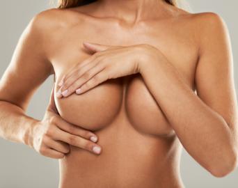 Voir Augmentation mammaire par prothèses
